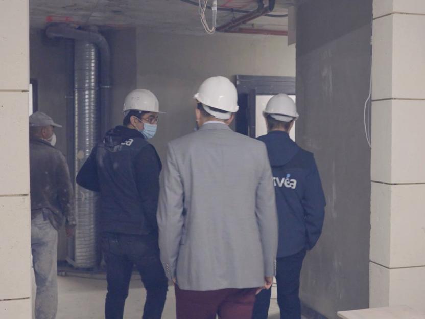 Les hommes d'Orvéa, un engagement pour l'organisation de visite de chantier